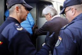 Cursach llevaba «comprando» policías para extorsionar a sus competidores al menos desde 1985