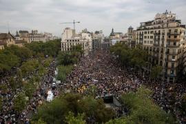 Protestas y cortes de vía marcan la huelga en Cataluña contra la actuación policial