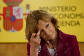 Elena Salgado descarta «absolutamente» que España siga los pasos de Portugal