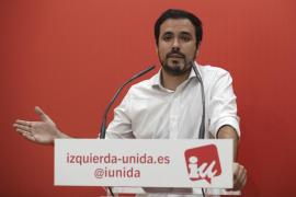 Alberto Garzón califica como «lamentable» el mensaje del Rey porque «alimenta el conflicto» en España y Cataluña