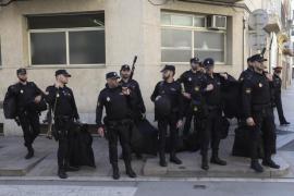 Agentes de la Policía Nacional dejan unos días Cataluña por actos en Zaragoza y Alicante