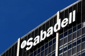El Banco Sabadell decidirá este jueves si traslada su sede de Cataluña