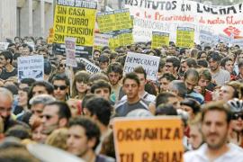 Varios miles de jóvenes protestan en Madrid contra la precariedad y el paro