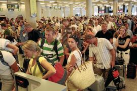 Son Sant Joan fue en 2010 el aeropuerto más rentable de toda la red de AENA