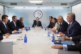 Malestar y desánimo en cargos del PP por ir «a rebufo» y no «liderar»