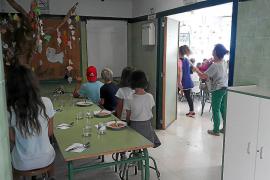 Can Picafort: un colegio con el comedor en el 'hall' y dos retretes para 500 alumnos