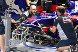 Carlos Sainz sufre un accidente en la primera sesión de entrenamientos libres