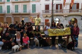 Un paseo canino para anunciar el IV IncAnimal, la feria animalista de Inca