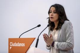 Arrimadas, comprometida por una Cataluña en paz y en libertad, no se amilana ante las amenazas
