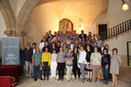 Cort homenajea a los funcionarios que llevan más de 35 años trabajando en el Ayuntamiento de Palma