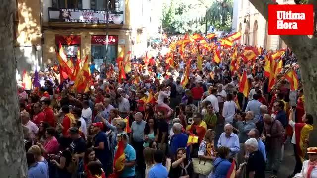 Incidentes en la concentración españolista en la Plaza de España