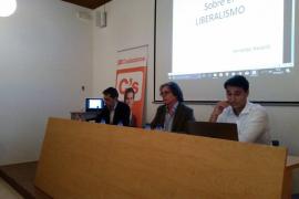 Navarro: «En España estamos amenazados por el populismo de Pablo Iglesias y el de los nacionalistas»