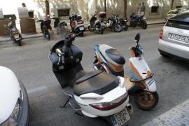 El alcalde de Palma asegura que las motos no pagarán ORA durante su mandato