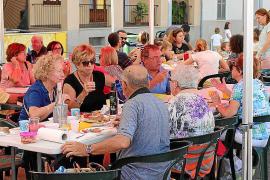 La renovada Festa del Botifarró consigue ensalzar el producto estrella de Sant Joan