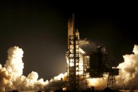 El transbordador Endeavour parte con éxito a la Estación Espacial Internacional
