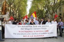 Decenas de personas protestan contra la intervención militar en Àfrica y Oriente Medio