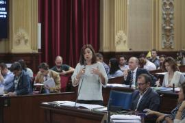 Armengol pide a Puigdemont que no declare la independencia de Cataluña