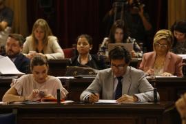 El Parlament rechaza limitar a dos mandatos las presidencias del Govern y el Consell