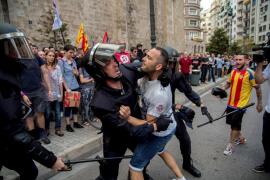 La Policía identifica a varios agresores de la manifestación del 9 d'Octubre Día de la Comunitat Valenciana