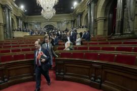 Iceta afirma que Puigdemont no ha declarado independencia y le exige elecciones