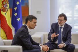Rajoy y Sánchez hablarán este martes en Moncloa de la crisis catalana