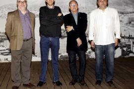 Antoni Marí y Josep Antoni Ysern reciben el Cavall Verd