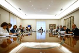 Rajoy preside el Consejo de Ministros que decidirá cómo actuar ante Puigdemont