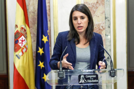 Irene Montero carga contra el PSOE por reeditar la alianza con PP y Cs para activar el 155