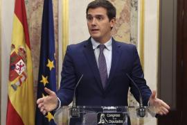 Rivera apoya reformar la Constitución, pero no para conceder «privilegios» a los partidos independentistas