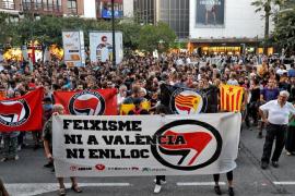 Cientos de personas piden en Valencia la dimisión del delegado del Gobierno y que ninguna agresión quede sin respuesta