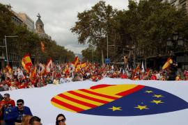 Miles de personas se manifiestan en Barcelona el Día de la Hispanidad