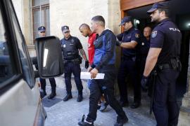 Los 17 inmigrantes de la patera encontrada en Cabrera, ante el juez