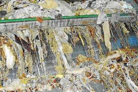 Tirar las toallitas al inodoro le cuesta a Emaya cerca de 250.000 euros al año