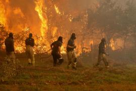 80 incendios en Galicia arrasan 4.000 hectáreas