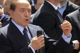 Berlusconi dice que dio dinero a Ruby para que no cayera en la prostitución
