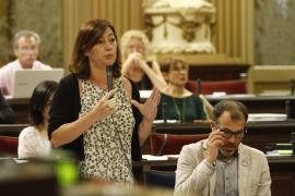 Armengol reitera su confianza en Barceló pese a la judicialización de los contratos de Més