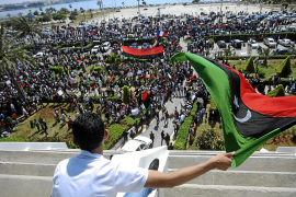 Los rebeldes rechazan el plan de paz al no incluir la «marcha de Gadafi»