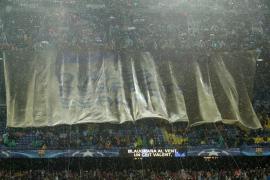 El Camp Nou pide «libertad» para Jordi Sànchez y Jordi Cuixart