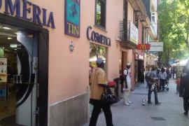 CCOO achaca a Cort la ineficacia policial contra la venta ambulante ilegal