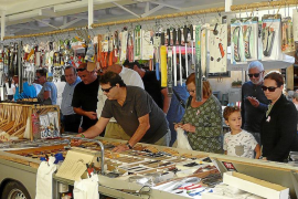Artesanos y comerciantes presumen de feria en Santanyí ante miles de visitantes