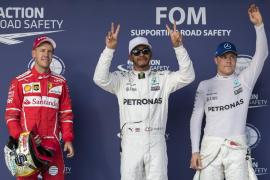 Hamilton mejora su récord de 'poles' y Vettel saldrá a su lado en Austin