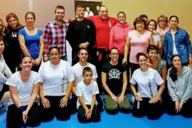Éxito de participación en el curso de defensa personal para mujeres impartido por 'Primo'