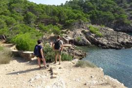 Caló d'en Monjo: abandono, ruina y peligro en el paraíso