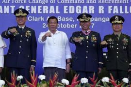 Rusia dona a Filipinas 5.000 Kalashnikov para luchar contra el Dáesh