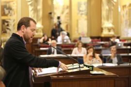 Abril advierte al PP que en Més «no se han llevado dinero al bolsillo»