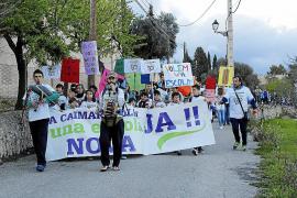 La comunidad educativa de Caimari, indignada, pide ayuda al Govern