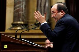 Iceta se ofrece a acompañar a Puigdemont este viernes al Senado y le pide elecciones