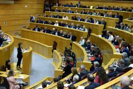 El Senado acepta la aplicación gradual del 155 propuesta por el PSOE