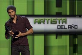Enrique Iglesias, artista del año en los Latin American Music Awards
