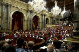 El Parlament declara la independencia de Cataluña y proclama la república
